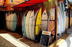 Surfen - Nicht nur sexy, sondern ein Sport.